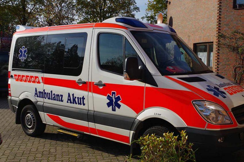 ambulanz-akut-im-einsatz-01