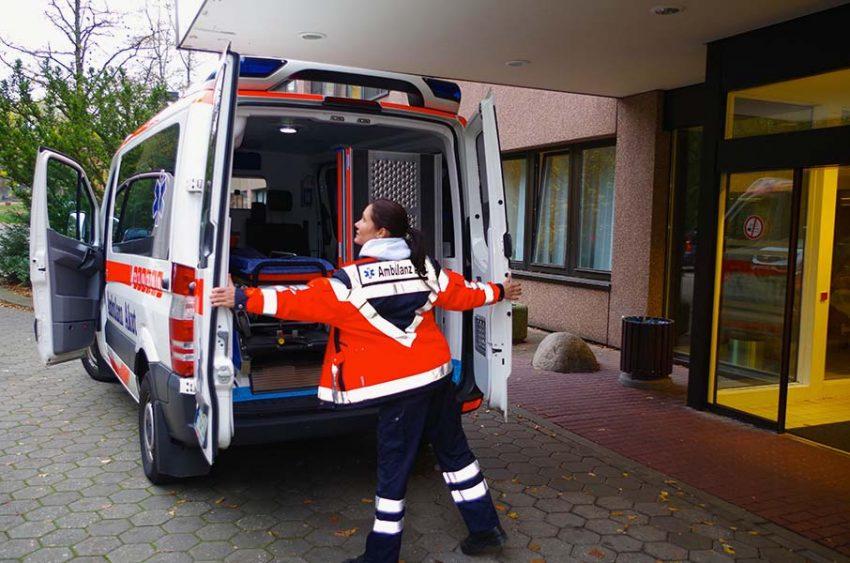 ambulanz-akut-im-einsatz-05